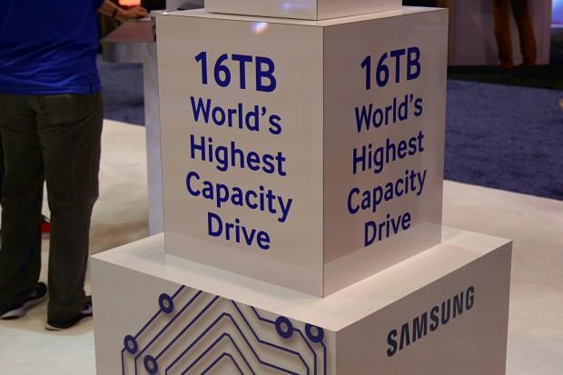 Samsungs stellt die PM1633a vor. (Foto: Marc Sauter/Golem.de)