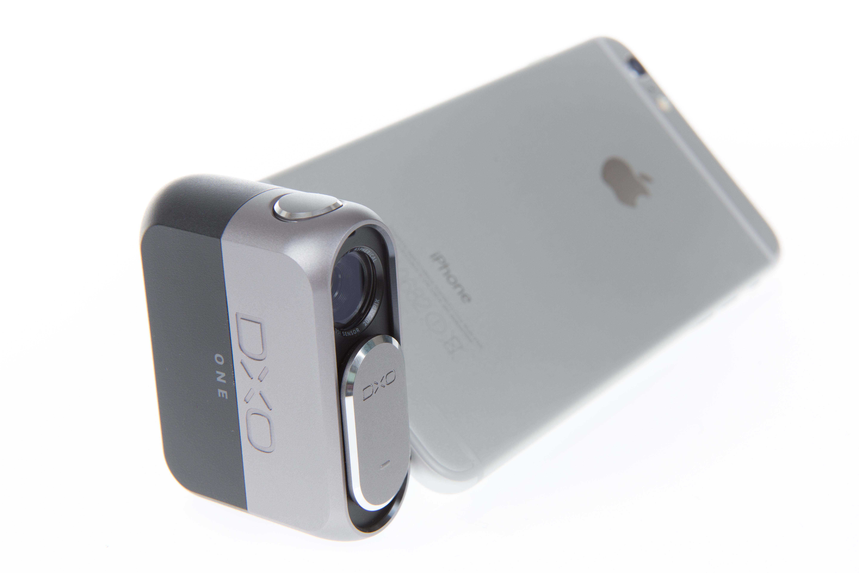 Aufsteckkamera Dxo One im Test: Ein Klick macht das iPhone zur echten Kamera - Ein mit der Dxo One verbundenes iPhone 6 Plus (Bild: Martin Wolf/Golem.de)