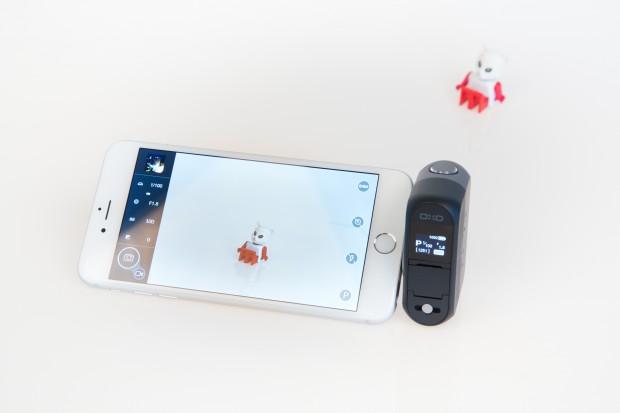 Die Ansteckkamera Dxo One mit angeschlossenem iPhone 6 Plus (Bild: Martin Wolf/Golem.de)