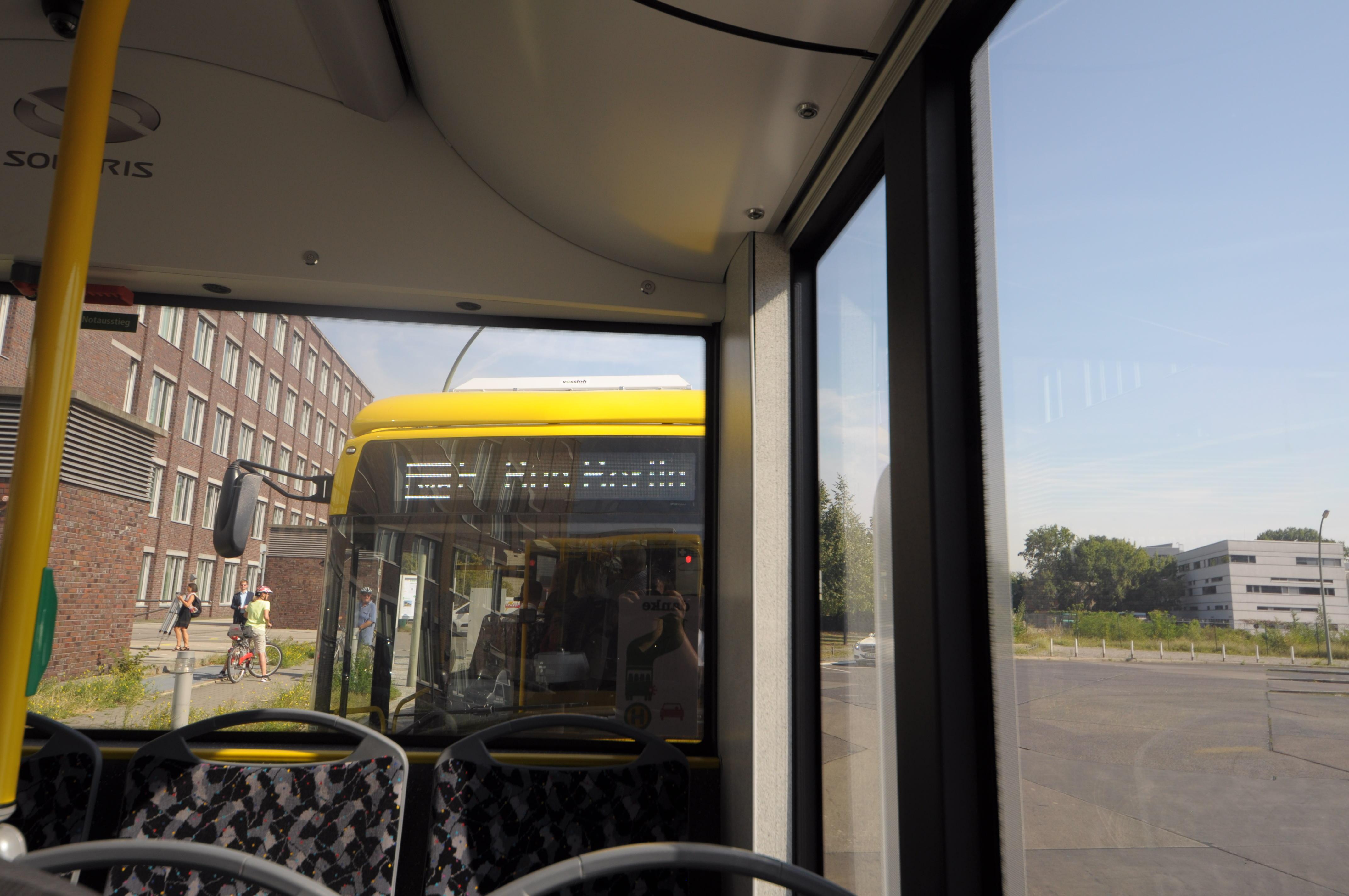 Nahverkehr: Hamburg und Berlin kaufen gemeinsam saubere Busse - Abfahrt von der Endhaltestelle Zoo ... (Foto: Andreas Sebayang/Golem.de)