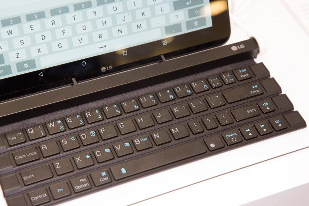 Ungewohnte Anordnung der Cursortasten auf dem Rolly Keyboard (Bild: Martin Wolf/Golem.de)
