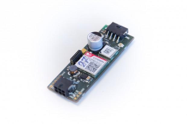 Das Board soll E-Bikes vernetzen. Es enthält einen GPS-Sensor, Bluetooth und eine Sim-Karte. (Foto: Martin Wolf/Golem.de)
