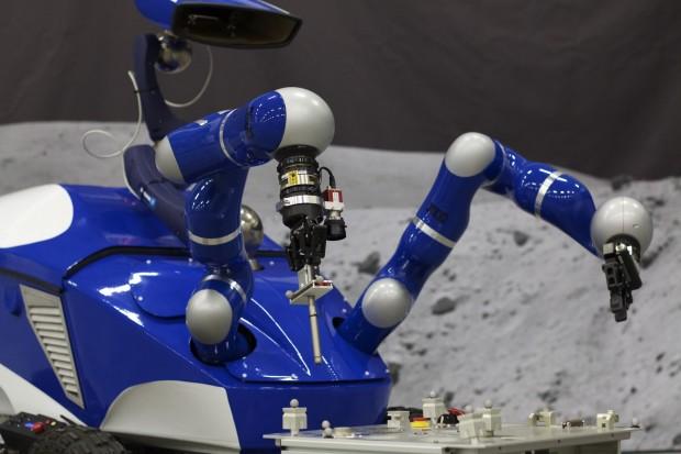 Der Interact Centaur Rover im Einsatz (Foto:  Telerobotics & Haptics Lab/ Esa)