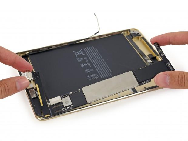 Die Hauptplatine des iPad Mini 4 (Bild: iFixit)