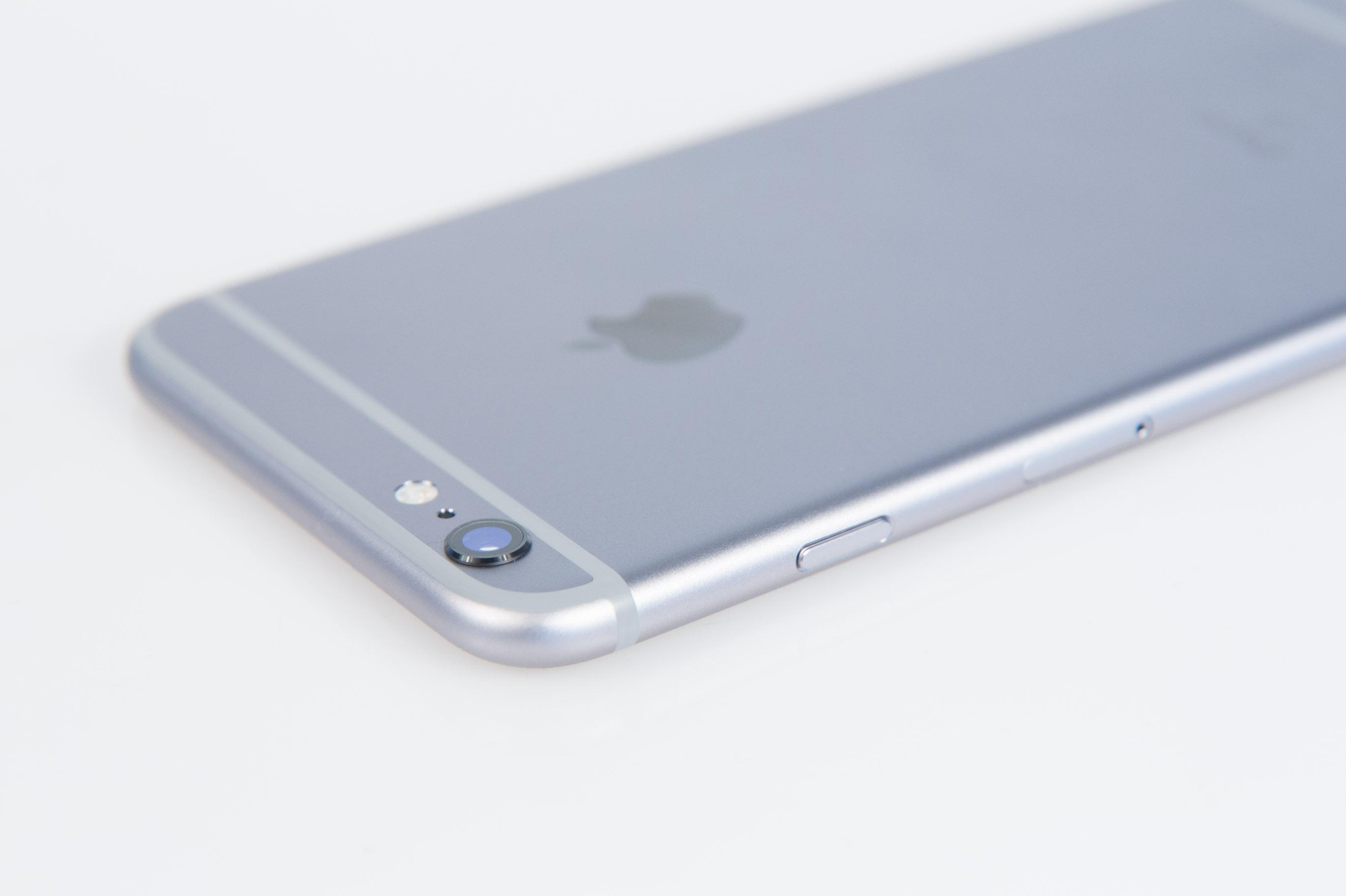 iPhone 6S Plus im Test: Ein so schnelles Smartphone gab es noch nie, aber - Das neue iPhone 6S Plus (Bild: Martin Wolf/Golem.de)
