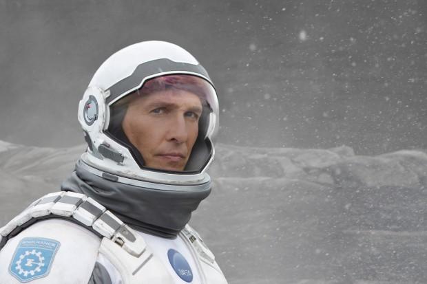 Interstellar ist ein Film, der einen durchaus bemerkenswerten Zusammenhang zwischen dem posthumanen Denken, dem außerirdischen Bewusstsein und den Büchern aufdeckt. (Bild: Paramount Pictures)