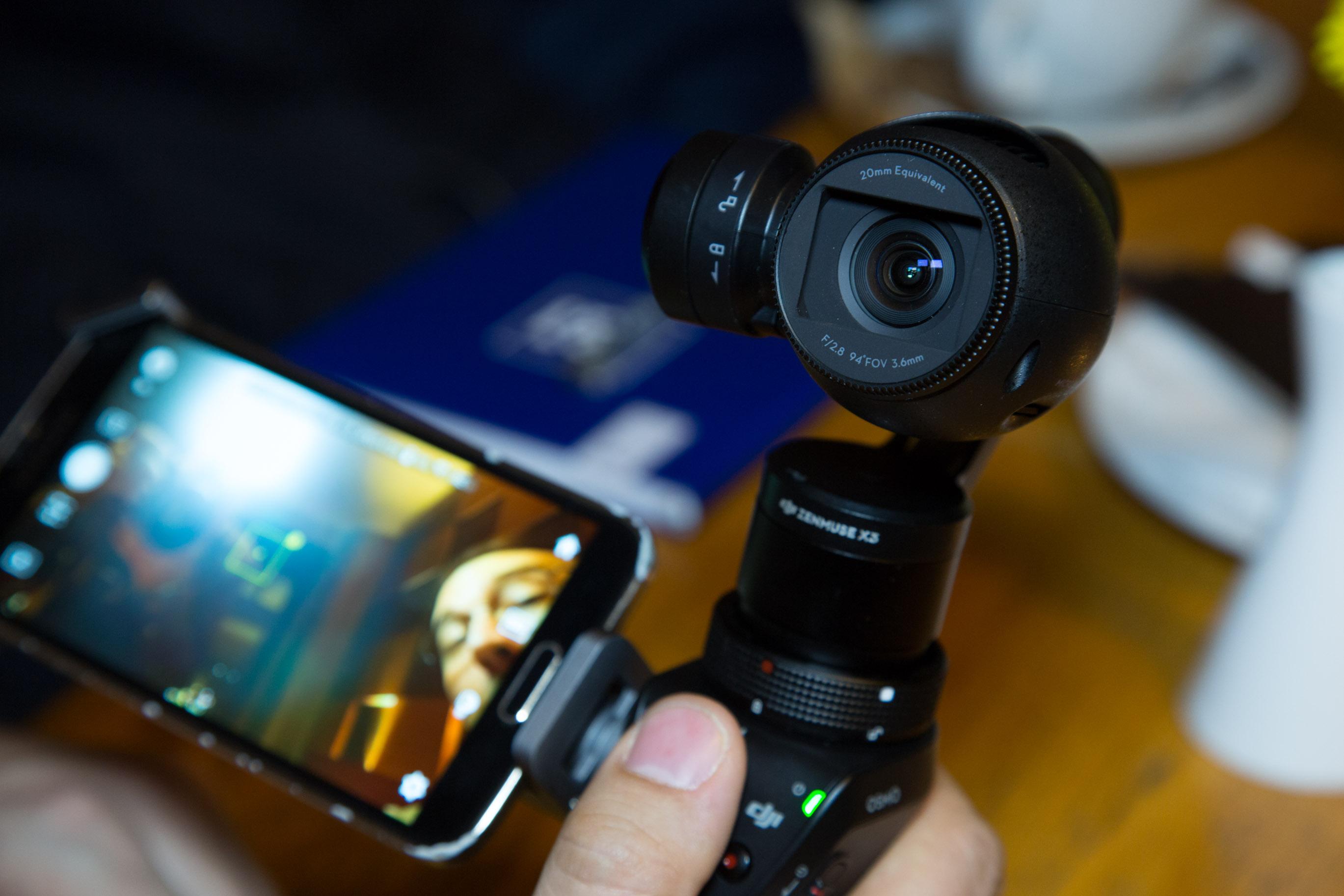 Osmo im Hands on: DJI präsentiert stabilisierte Handkamera für 750 Euro -