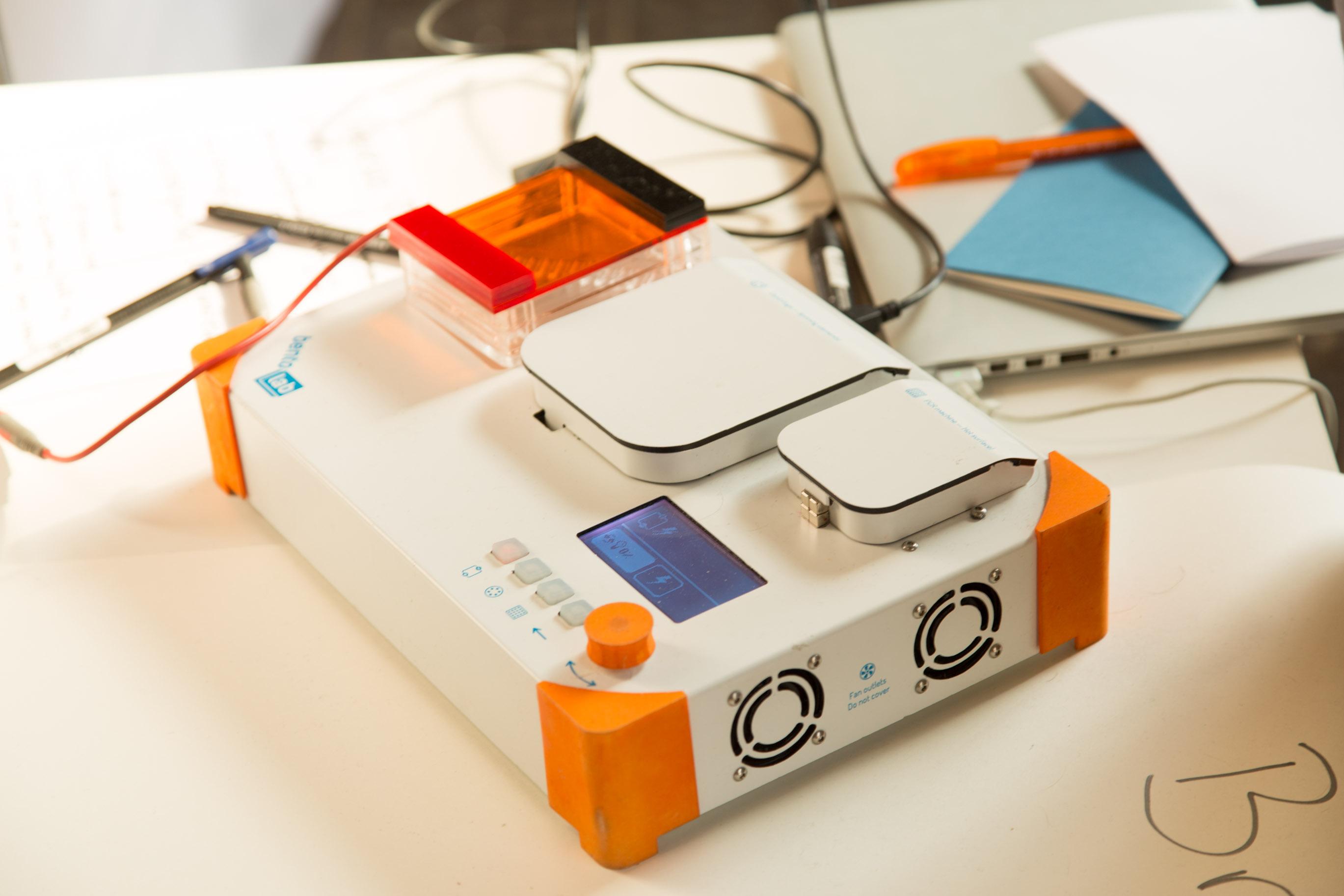 Bento Lab: Biohacking am Küchentisch - Das Bento Lab ist ein transportables Minilabor. (Foto: Martin Wolf/Golem.de)