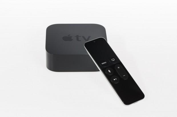 Vom Design her sieht das vierte Apple TV aus wie sein Vorgänger, die Tastatur wurde hingegen neu gestaltet. (Bild: Martin Wolf/Golem.de)