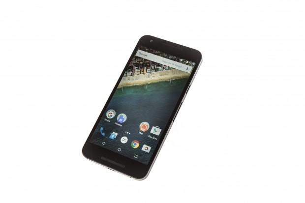 Das Nexus 5X mit seinem 5,2 Zoll großen Display (Bild: Martin Wolf/Golem.de)