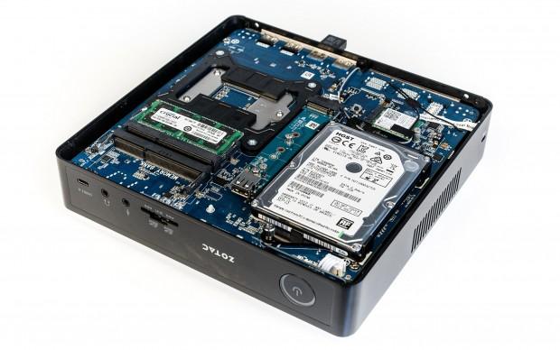 Die Festplatte und der RAM sind erweiter- bzw. austauschbar. (Foto: Martin Wolf/Golem.de)