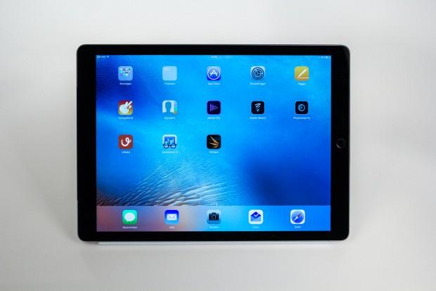 Das iPad Pro hat einen 12,9 Zoll großen Bildschirm. (Bild: Tobias Költzsch/Golem.de)