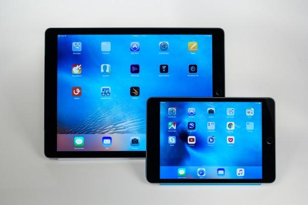 Im Vergleich mit dem iPad Pro wirkt das iPad Mini 4 winzig. (Bild: Tobias Költzsch/Golem.de)
