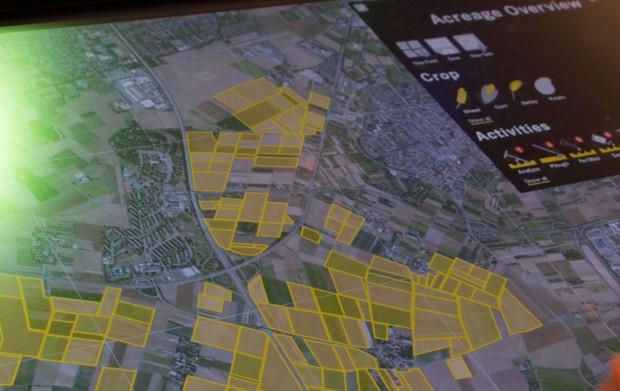 Die Software zeigt dem Landwirt auf einer Karte seine Felder. (Foto: Werner Pluta/Golem.de)
