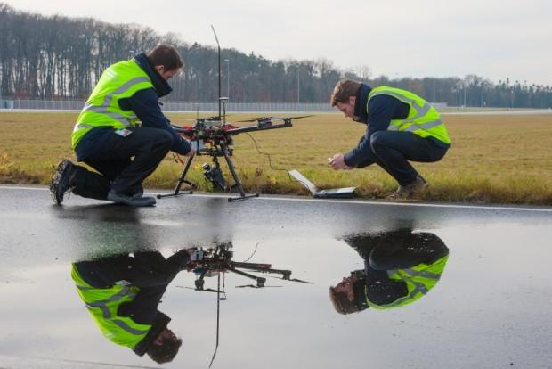 Ein Multicopter im Einsatz am Frankfurter Flughafen (Bild: oro-photography)