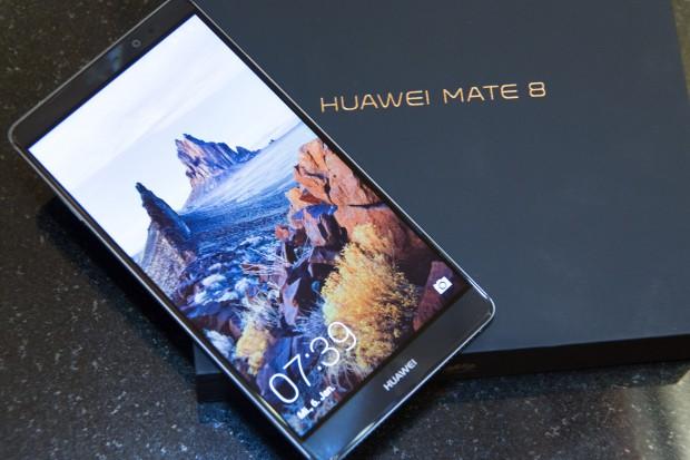 Huaweis neues Mate 8 (Bild: Martin Wolf/Golem.de)