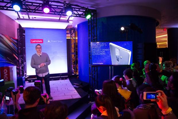 Lenovo hat im Rahmen der CES 2016 angekündigt, ein Smartphone mit Project-Tango-Technik zu bauen. (Bild: Martin Wolf/Golem.de)