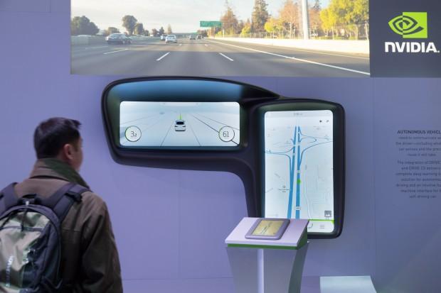 Die vereinfachte Darstellung der aufgrund der Sensordaten ermittelten Fahrwege, wie sie in Zukunft in autonomen Autos zu finden sein könnte (Bild: Martin Wolf/Golem.de)