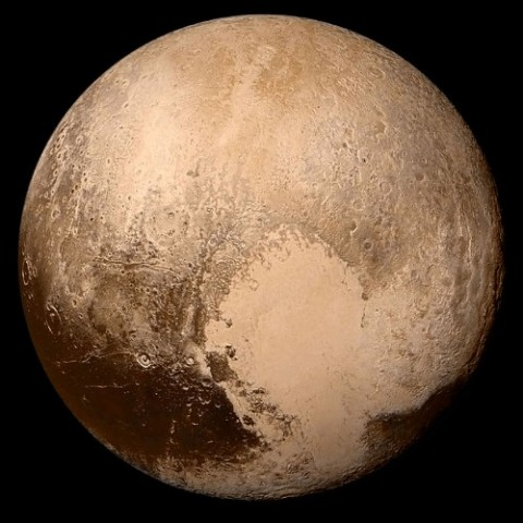 Pluto! Super-Himmelskörper, aber ständig Anlass für Streit (Bild: NASA/Johns Hopkins University Applied Physics Laboratory/Southwest Research Institute)