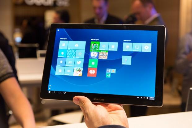 Das Galaxy Tabpro S hat ein 12 Zoll großes Display. (Bild: Martin Wolf/Golem.de)