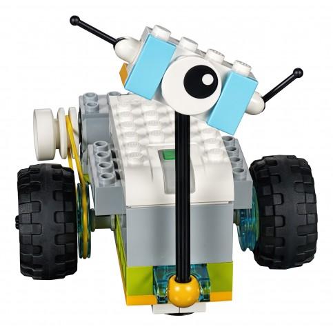 Einer der Einstiegsroboter des Bausatzes (Bild: Lego Education)
