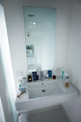 Max Brauns Android-Spiegel in seinem Badezimmer (Bild: Max Braun)