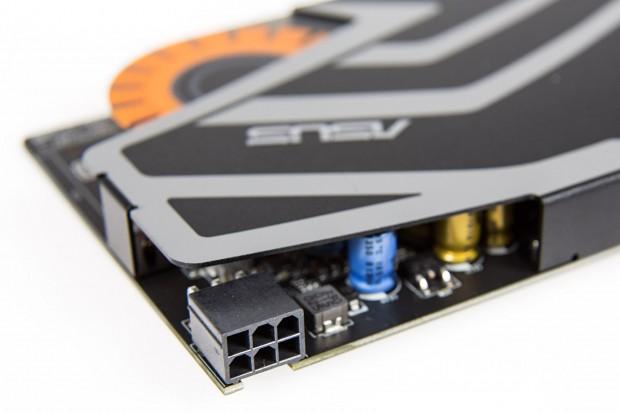 Die Strix Soar benötigt einen Stromstecker (Foto: Martin Wolf/Golem.de)