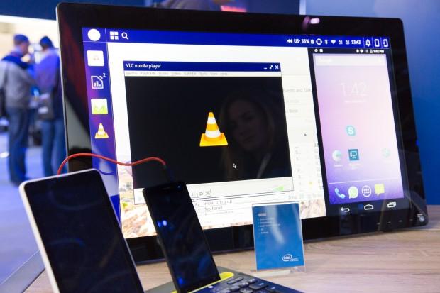 Auf dem von Foxconn hergestellten Smartphone - das zweite von links - laufen Android und Debian mit einem gemeinsamen Kernel. (Bild: Martin Wolf/Golem.de)