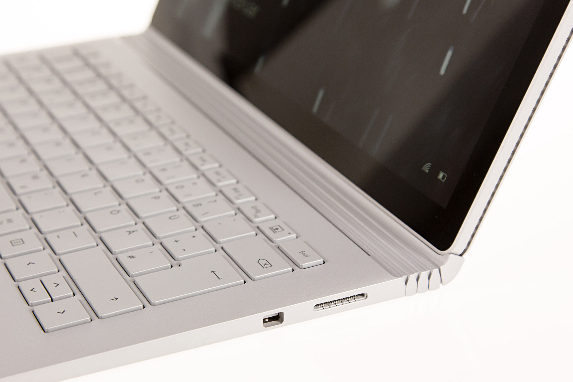 Surface Book im Test: Schon fast der ultimative Laptop - Surface Book (Foto: Martin Wolf/Golem.de)