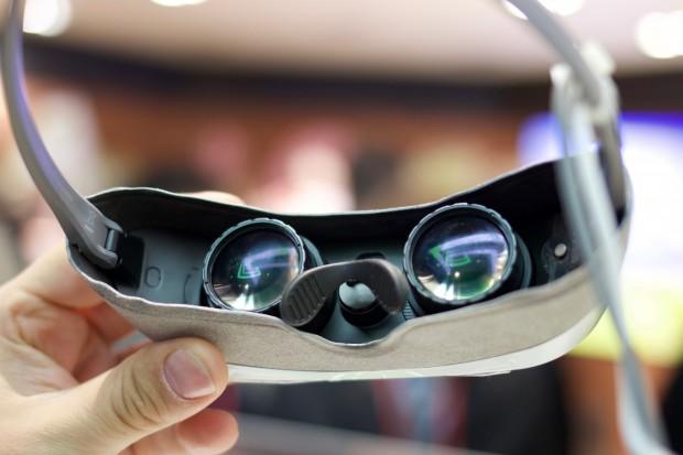 Die 360 VR hat zwei Displays mit einer Auflösung von 960 x 720 Pixeln. (Bild: Michael Wieczorek/Golem.de)