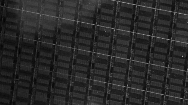 Broadwell-EP/EX-Wafer mit HCC-Dies mit je 24 Kernen<br>(Foto: Marc Sauter/Golem.de)