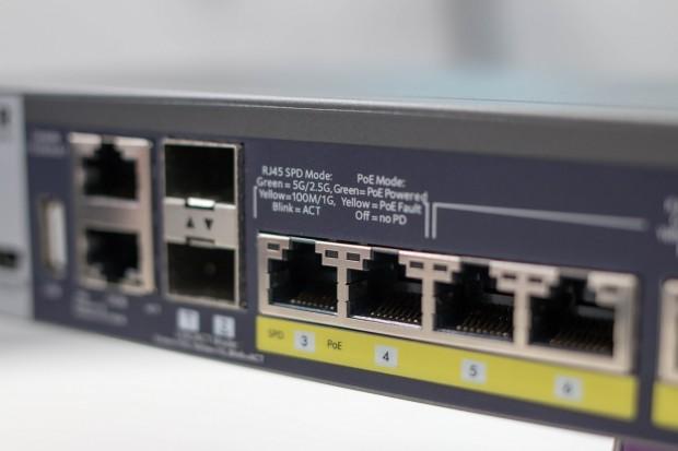 Zwei der Multigigabit-Ports können auch 5 GbE. (Foto: Michael Wieczorek/Golem.de)