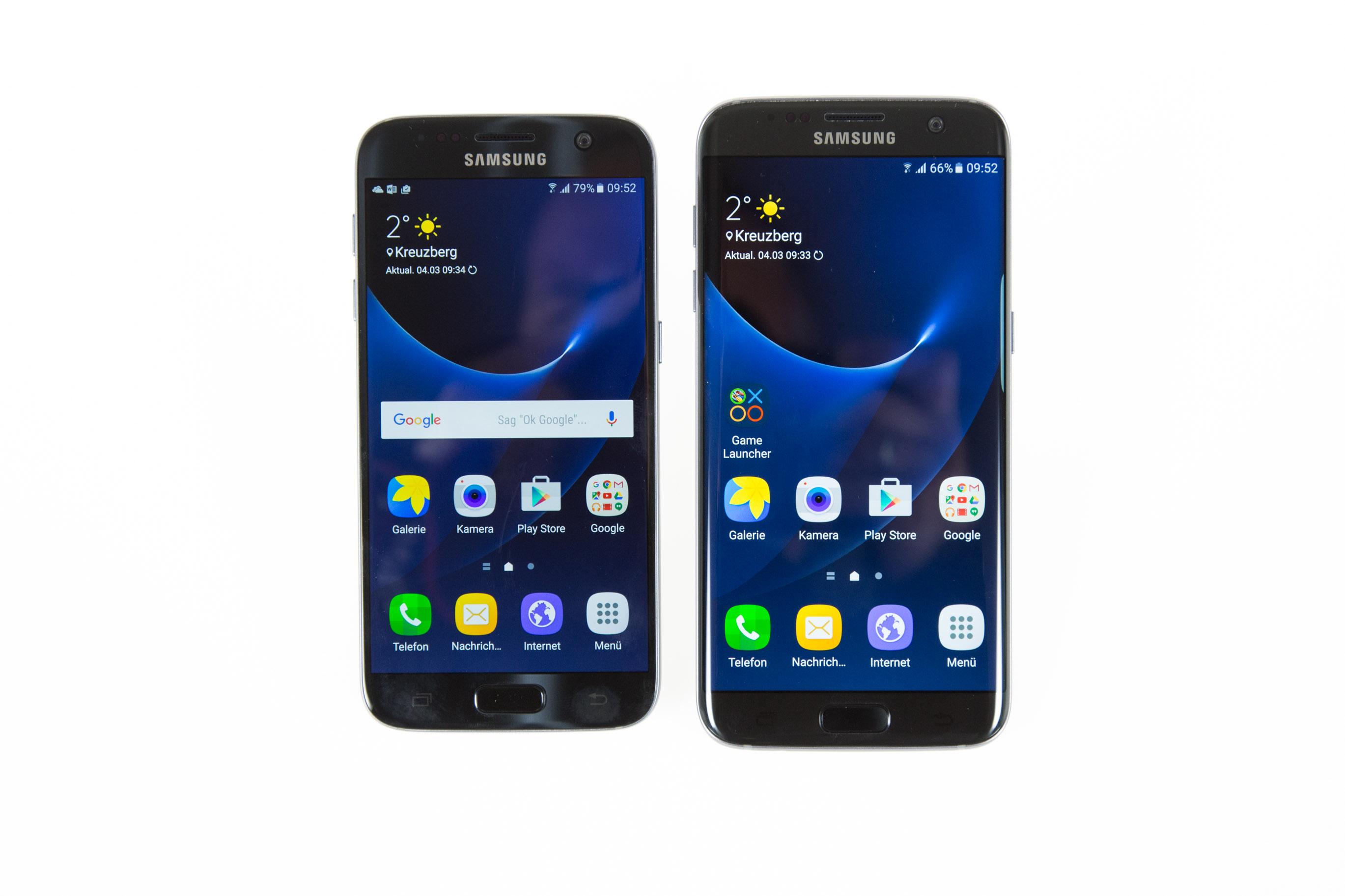 Galaxy S7 und S7 Edge im Test: Samsung definiert die Android-Oberklasse - Links das Galaxy S7, rechts das Galaxy S7 Edge (Bild: Martin Wolf/Golem.de)