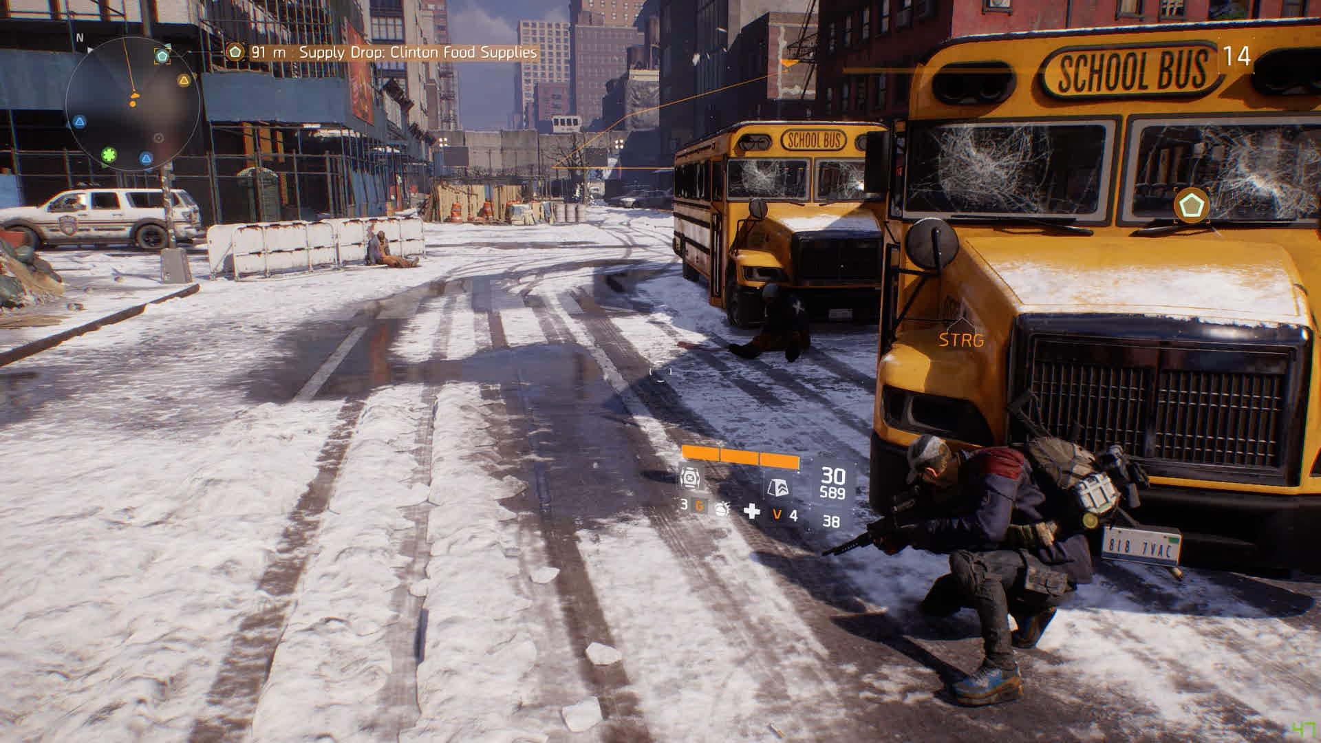 The Division im Test: Die Guten müssen die Bösen sein - Wir gehen an einem New Yorker Schulbus in Deckung.