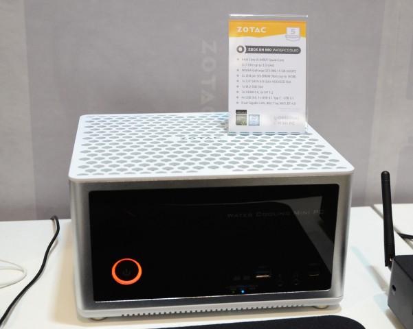 Die wassergekühlte Zbox EN 980 (Foto: Nico Ernst)