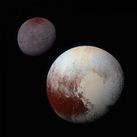 Pluto und sein größter Mond Charon im Hintergrund (Foto: Nasa/JHUAPL/SwRI)
