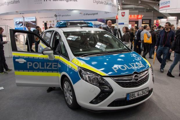 Einer von 28 vernetzten Streifenwagen der Polizei von Brandenburg auf der Cebit 2016 (Foto: Werner Pluta/Golem.de)