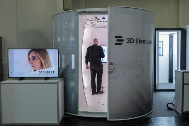 3D-Scanner im Vergleich: Dagubert und die kleine Variante im Hintergrund (Foto: Werner Pluta/Golem.de)