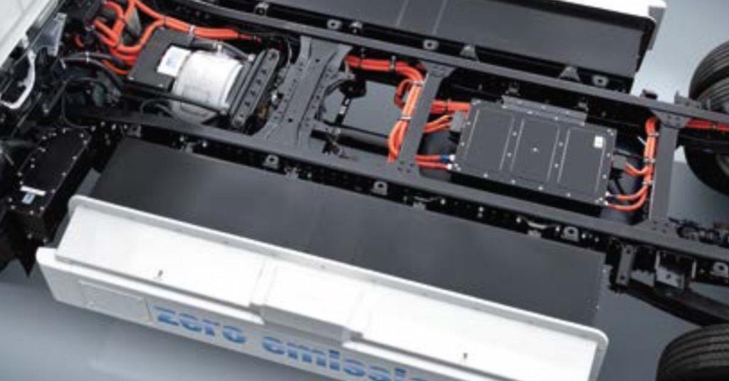 Lieferdienst: Hermes experimentiert mit Elektrolastwagen von Daimler - Fuso Canter E-CELL (Bild: Daimler)