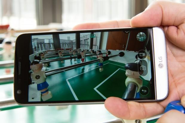 Mit der Weitwinkelkamera lassen sich Bilder in für Smartphones ungewohnten Perspektiven aufnehmen. (Bild: Martin Wolf/Golem.de)
