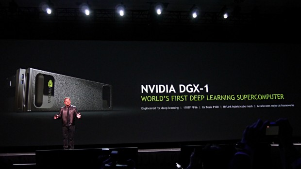 Nvidias DGX-1 liefert 170 FP16-Teraflops (Foto: Marc Sauter/Golem.de)