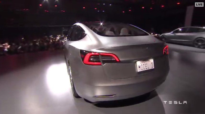 Elektroauto: Tesla Model 3 startet mit 115.000 Reservierungen - Tesla Model 3 (Bild: Tesla Motors/Screenshot: Golem.de)