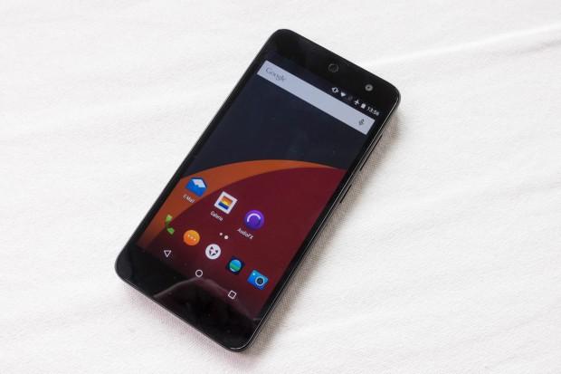 Oberfläche orientiert sich stark am Android-Standard. (Bild: Tobias Költzsch/Golem.de)