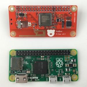 IOT-Hat: Funkaufsatz und Gamepad für den Raspberry Pi Zero - Oben IOT-Hat und unten Raspberry Pi Zero (Foto: Redbear Labs)