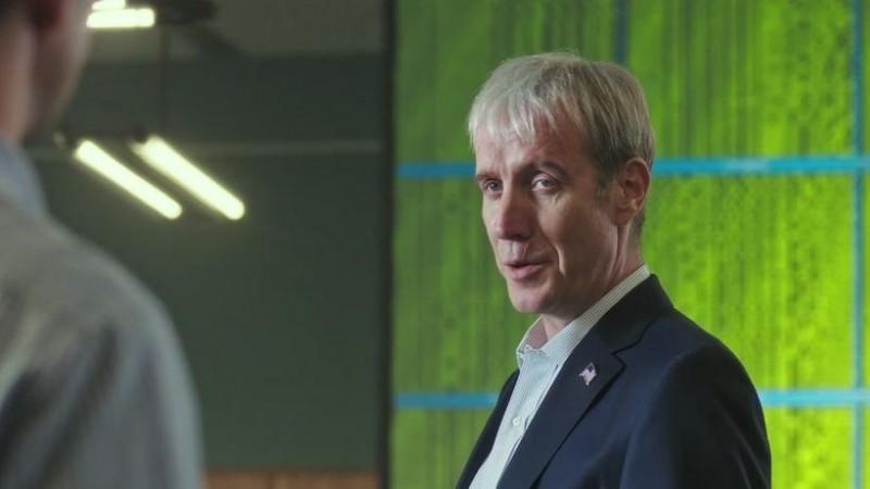 "Snowden: Natural Born Knüller - 38 Minuten? ""Damit kannst du alles machen"". (Bild: Screenshot/Open Road Films)"
