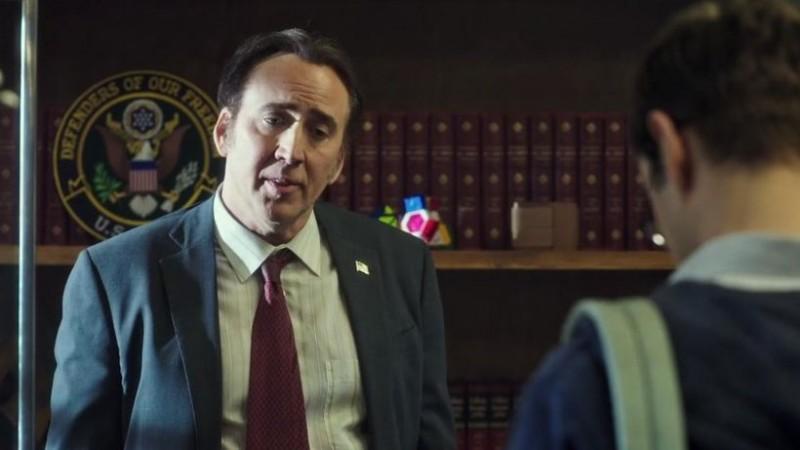 Snowden: Natural Born Knüller - Nicolas Cage und sein Nicolas-Cage-Gesicht spielen auch mit. (Bild: Screenshot/Open Road Films)