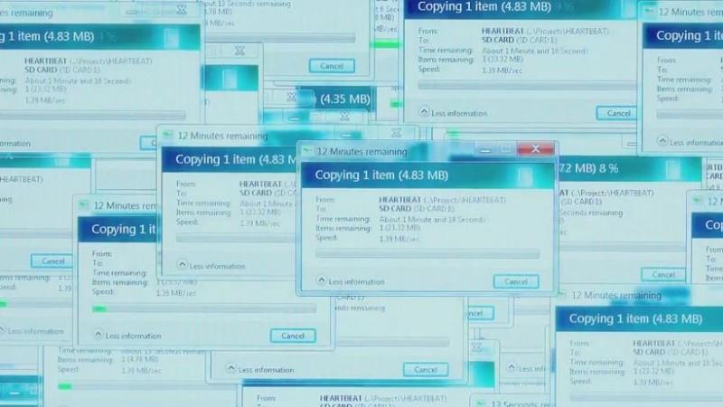 Snowden: Natural Born Knüller - Windows kopiert die Datei in circa 50 einzelnen Fenstern. (Bild: Screenshot/Open Road Films)