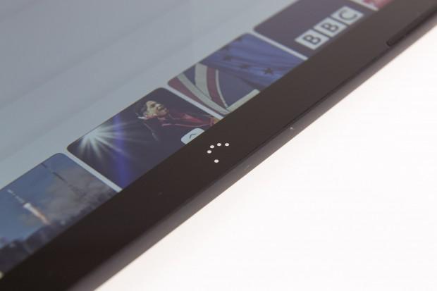 Technisch entspricht das Tablet der Android-Version - und ist ebenso in zwei Varianten verfügbar: eine mit einer Auflösung von 1.280 x 800 Pixeln und eine mit Full-HD-Display. (Bild: Martin Wolf/Golem.de)
