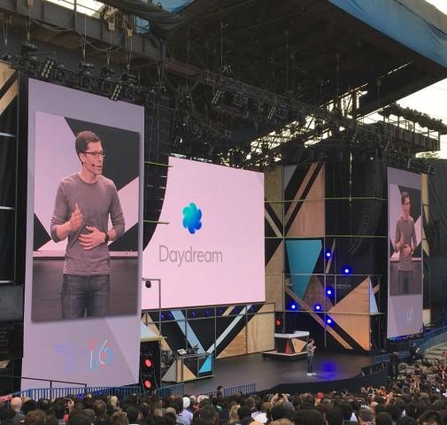 Google stellt sein VR-Projekt Daydream vor. (Bild: Tobias Költzsch/Golem.de)