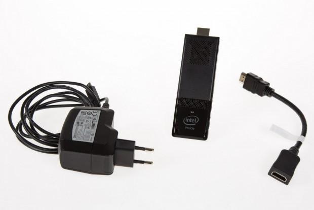Dem Compute Stick liegt eine HDMI-Verlängerung bei. (Foto: Martin Wolf/Golem.de)